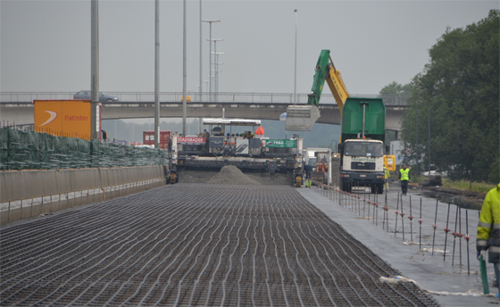 Implication of reinforcement in concrete roads