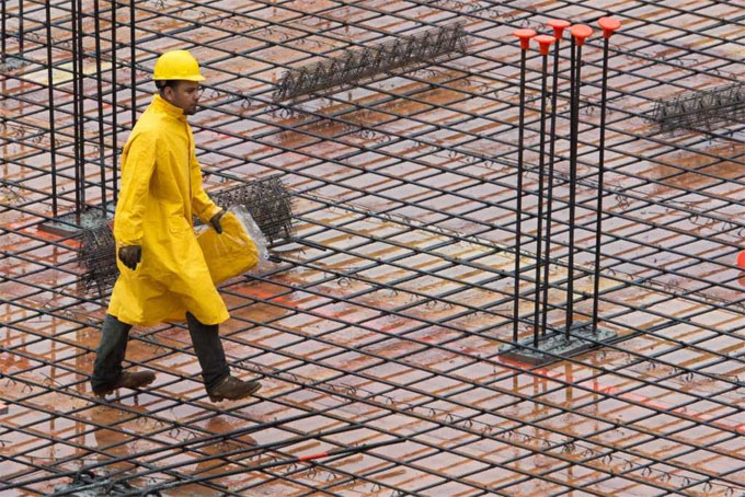 How to pour concrete in rainy season